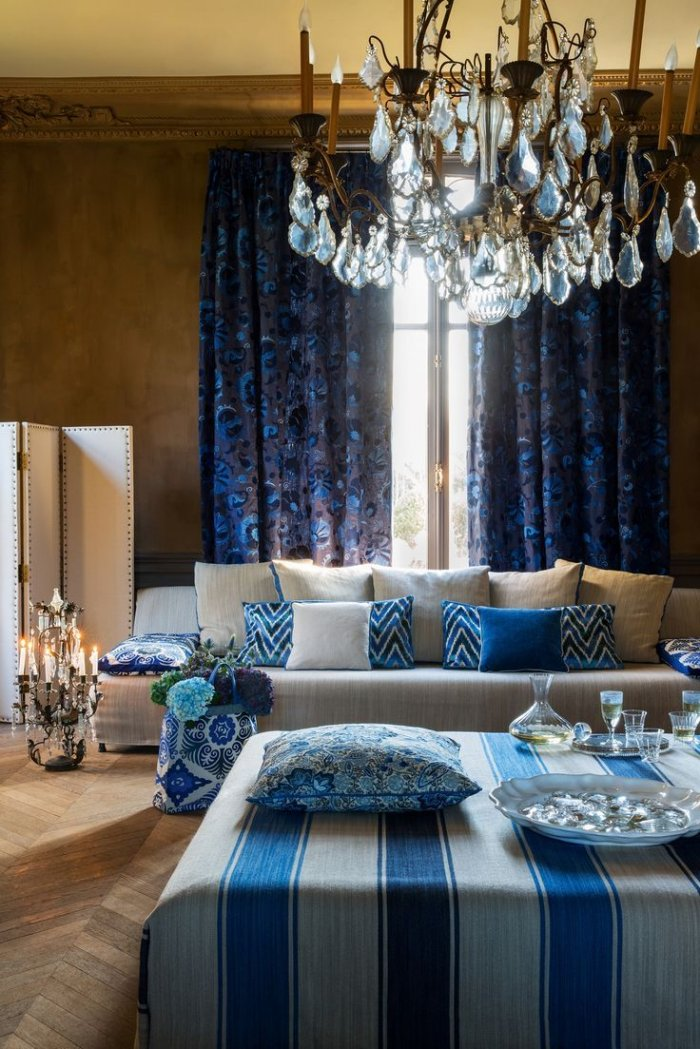 blue-curtains-1