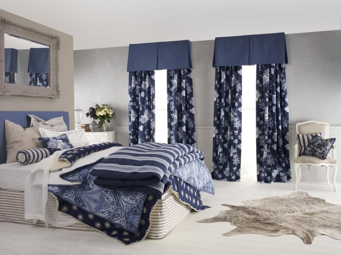 blue-curtains-2-5