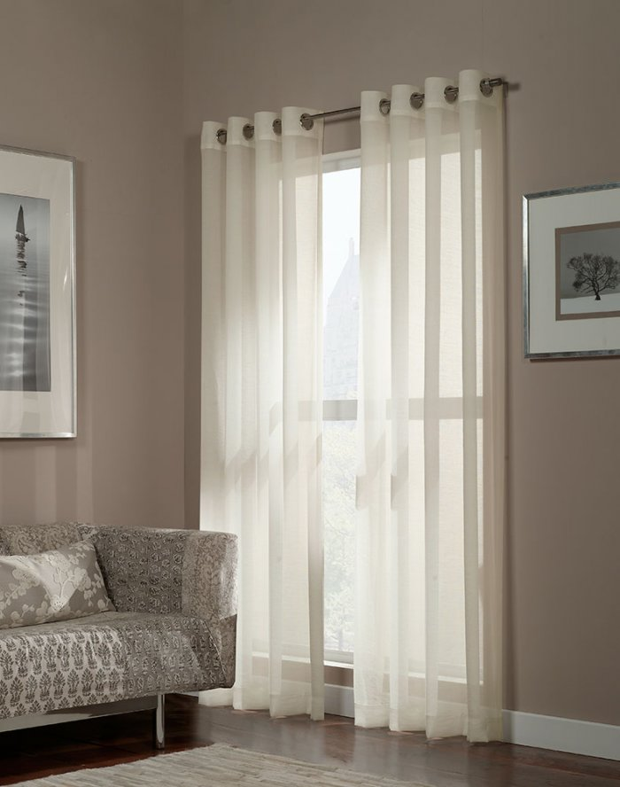 curtains-on-the-grommet-5-6