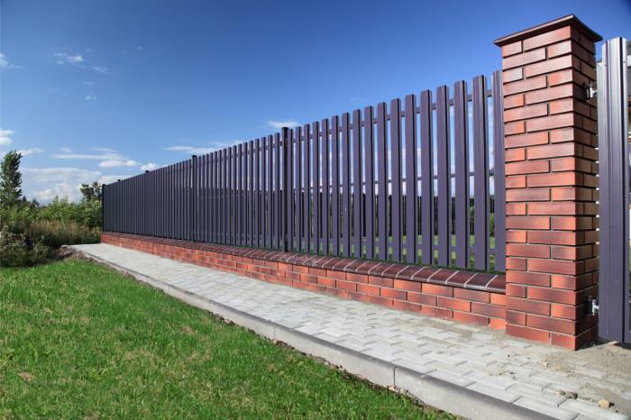 Забор из профнастила (2)