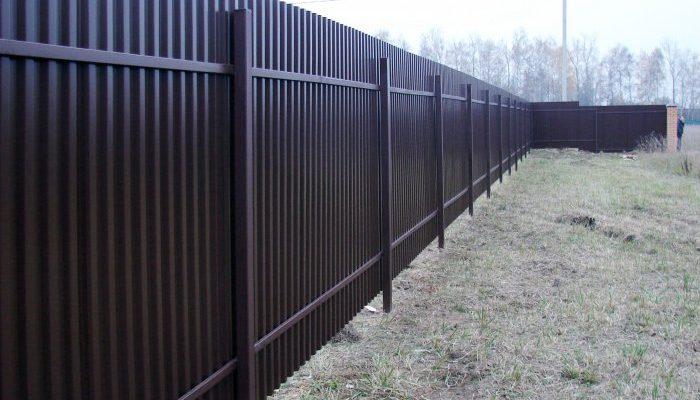 Забор из профнастила 58