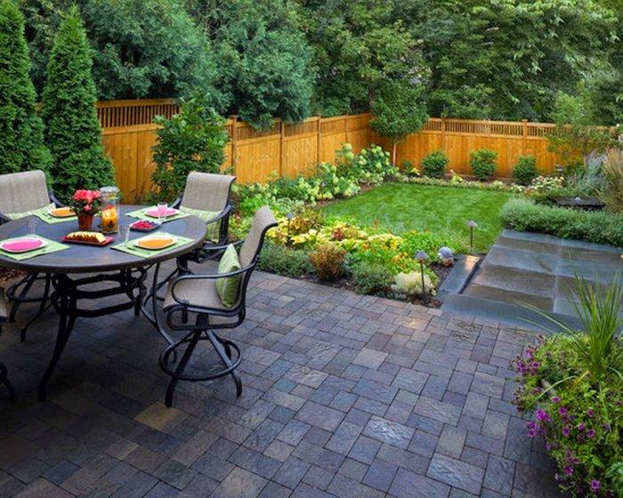 Обустройство двора частного дома (30)