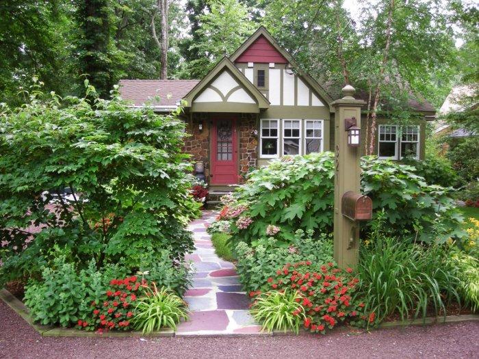 Обустройство двора частного дома (4)