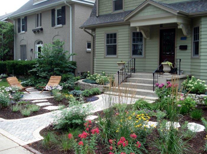Обустройство двора частного дома (49)