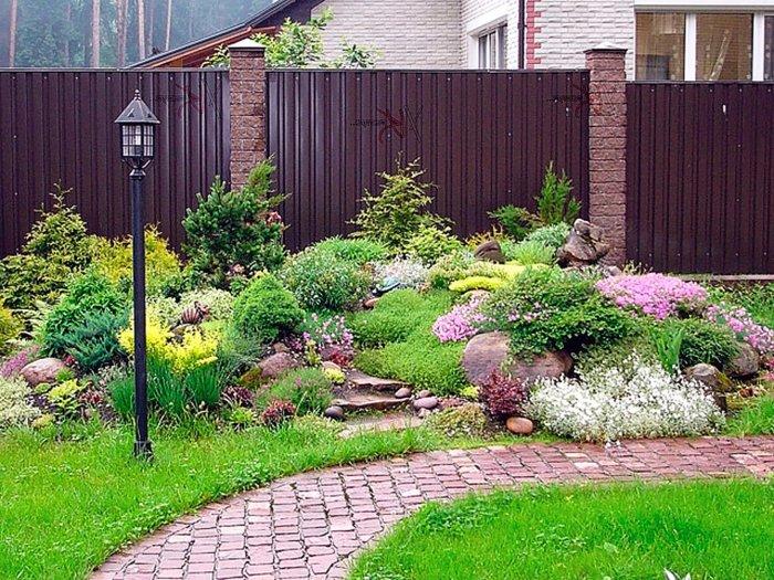 Обустройство двора частного дома (50)