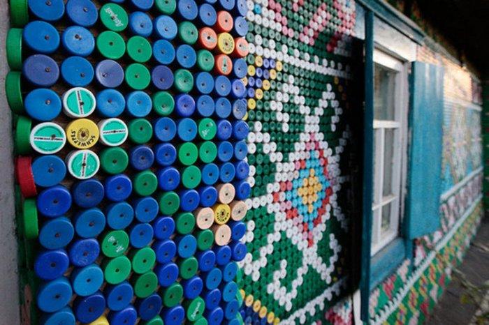 Поделки из пластиковых бутылок для дома и дачи (25)