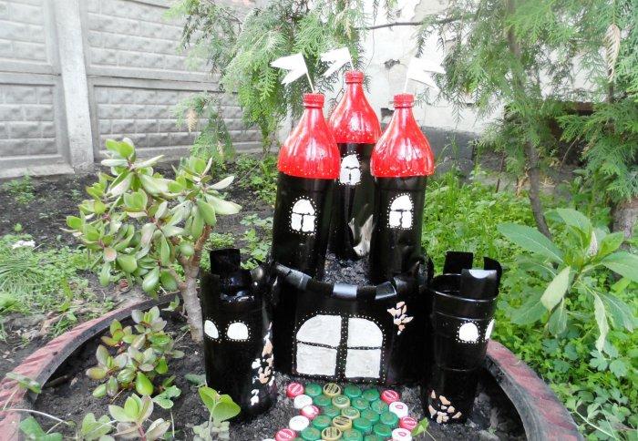 Поделки из пластиковых бутылок для дома и дачи (41)