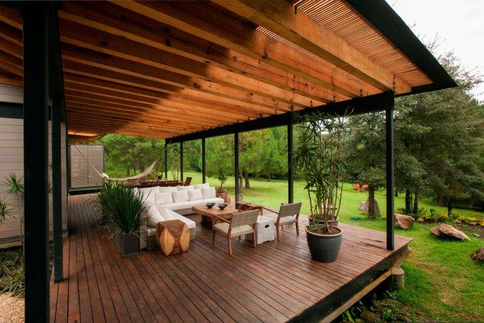 Обустройство деревянной террасы в частном доме