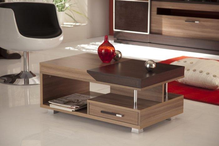 красивый и функциональный журнальный стол